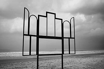 p1661m2245431 by Emmanuel Pineau