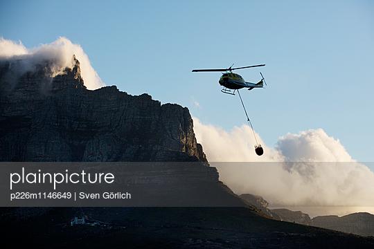 Helicopter - p226m1146649 von Sven Görlich