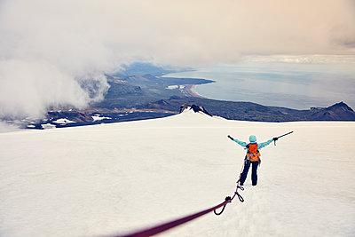Mountaineer on Snæfellsjökull glacier - p1305m1190992 by Hammerbacher