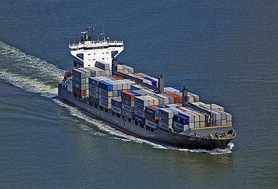 Containerschiff - p1016m907538 von Jochen Knobloch
