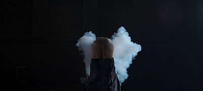 Smoke wings - p1139m924490 by Julien Benhamou