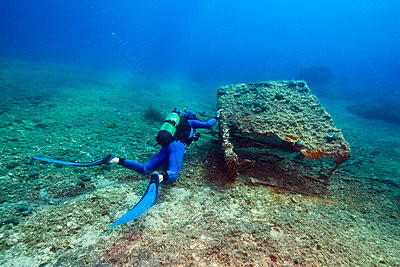Diving - p1026m872419f by Romulic-Stojcic