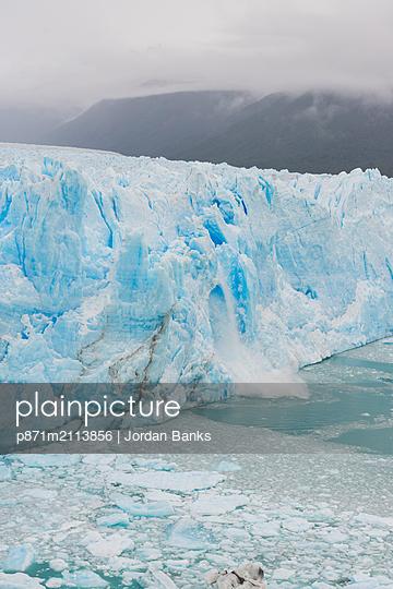 Perito Moreno glacier, El Calafate, Santa Cruz, Argentina, South America - p871m2113856 by Jordan Banks