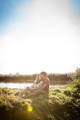 Couple in summer - p105m951283 by André Schuster