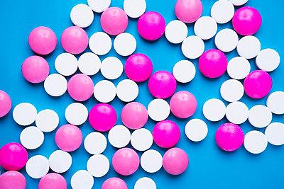 Pills - p1149m1590501 by Yvonne Röder