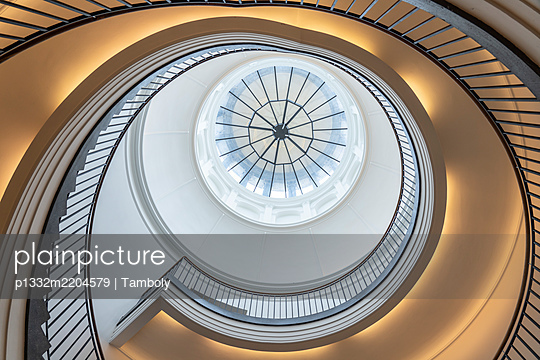 Staircase, low angle view, Museum Berggruen - p1332m2204579 by Tamboly