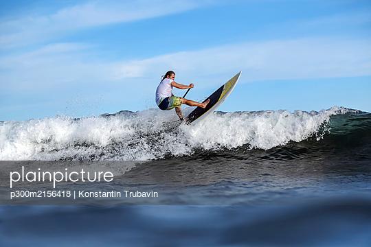 SUP surfer, Bali, Indonesia - p300m2156418 by Konstantin Trubavin