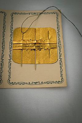 Needle & thread - p1657m2301074 by Kornelia Rumberg