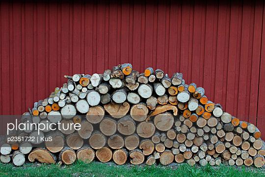 Holzstapel - p2351722 von KuS