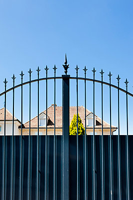 Gate - p248m904383 by BY