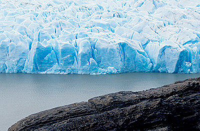 Glacier at Torres del Paine, Chile - p3484786 by Jonas Tufvesson