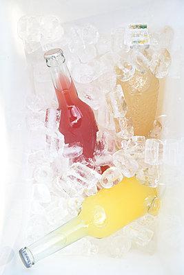 Refreshments - p454m1195971 by Lubitz + Dorner