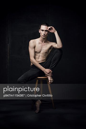 Tänzer - p947m1154387 von Cristopher Civitillo