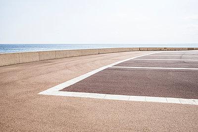 Parkplatz am Hafen von Bastia auf der Mittelmeerinsel Korsika - p1162m1496530 von Ralf Wilken