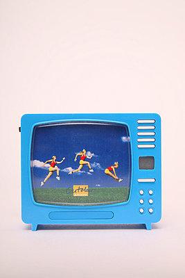 Miniature tv - p1650871 by Andrea Schoenrock