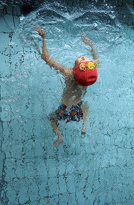 Schwimmen lernen - p2370094 von Thordis Rüggeberg