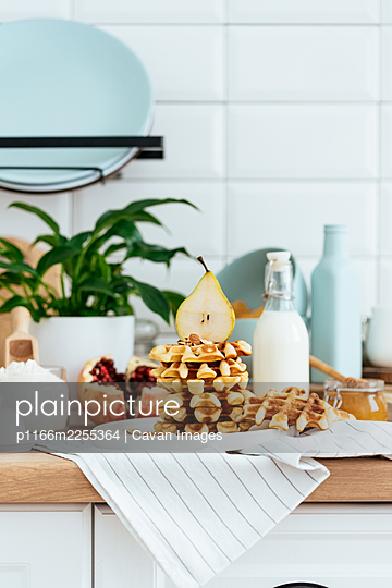 homemade waffles. ingredients. kitchen. morning. - p1166m2255364 by Cavan Images