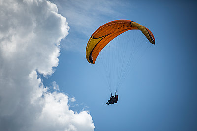 France, Aravis, Paragliding in the Alps - p1007m2216477 by Tilby Vattard