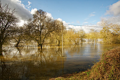 France, Flood - p1402m2244997 by Jerome Paressant