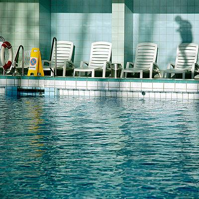 Swimming pool - p2685717 by Axel Kohlhase