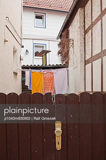 Backyard - p1043m830902 by Ralf Grossek