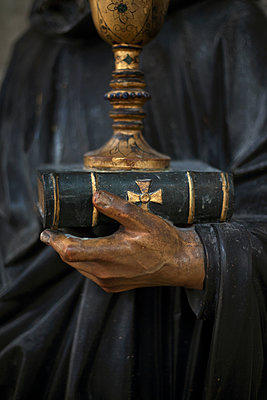 Religion - p1028m2134593 by Jean Marmeisse