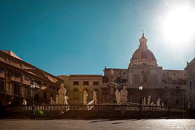 Fontana Pretoria in Palermo - p382m2196283 by Anna Matzen