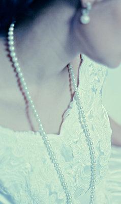Woman in bride dress - p476m894128 by Ilona Wellmann