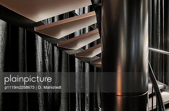 Spiral staircase - p1119m2258673 by O. Mahlstedt