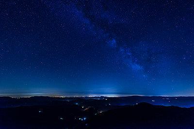 Milky way - p829m938249 by Régis Domergue