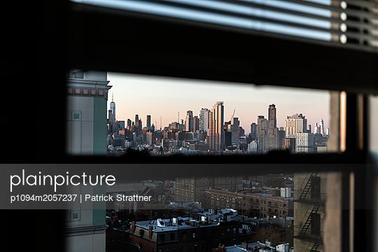View of New York  - p1094m2057237 by Patrick Strattner