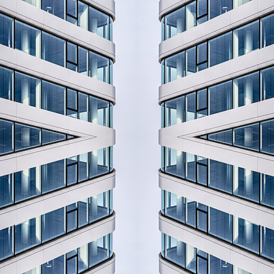 Abstract Architecture Kaleidoscope - p401m2219872 by Frank Baquet