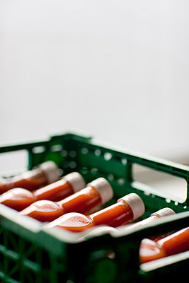Tomato factory - p6690084 by Julian Winslow