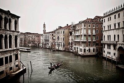 Gondoliere in Venedig - p416m991004 von Bernd Wagner