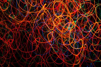Lichtspuren - p867m1007861 von Thomas Degen