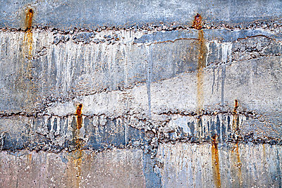 Weathered concrete wall - p9246731f by Image Source