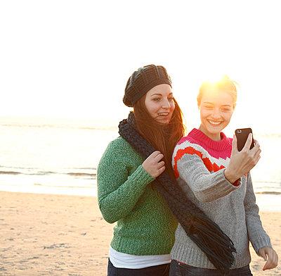 Selfie - p981m952264 by Franke + Mans