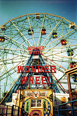 Wonder Wheel - p1289m1125234 by Elisabeth Blanchet