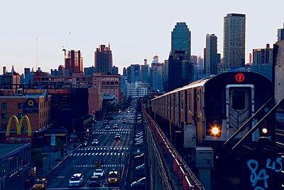 Subway 7 - p1399m1573918 by Daniel Hischer