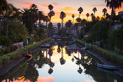 One of famous canals at sunset, Venice Beach, Los Angeles, California, USA - p343m1569088 by Sean Davey
