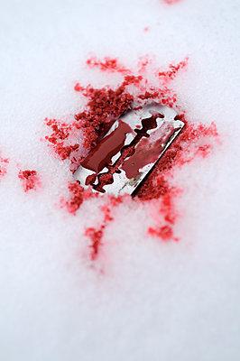 Bloody razor blade - p470m966290 by Ingrid Michel