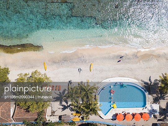 Indonesia, Bali, Aerial view, Hotel on the beach - p1108m2090344 by trubavin