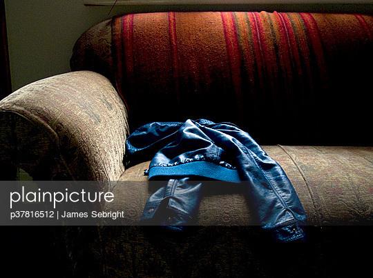 p37816512 von James Sebright