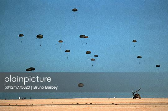 p912m775620 von Bruno Barbey
