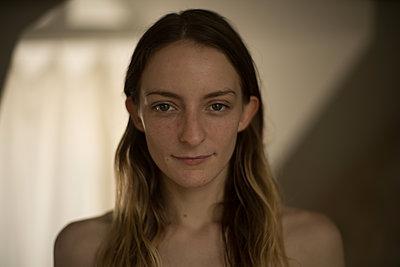 Portrait of a young woman - p1321m2126144 by Gordon Spooner