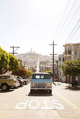 Straßen von San Francisco - p214m1008237 von hasengold