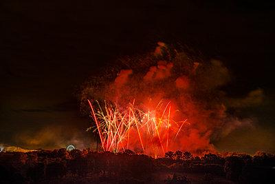 Feuerwerk - p335m2233947 von Andreas Körner