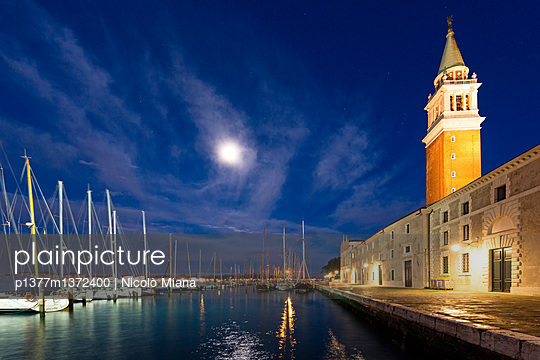 Full moon over the harbour of San Giorgio Maggiore - p1377m1372400 by Nicolò Miana