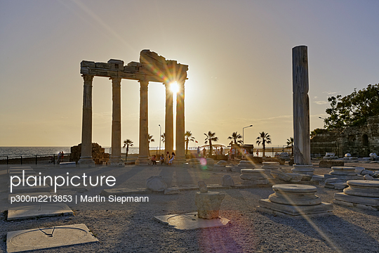 Turkey, Side, Temple of Apollo at sunset - p300m2213853 by Martin Siepmann