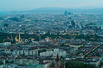 Luftbild von Wien mit Blick auf die Altstadt - p1332m1488213 von Tamboly